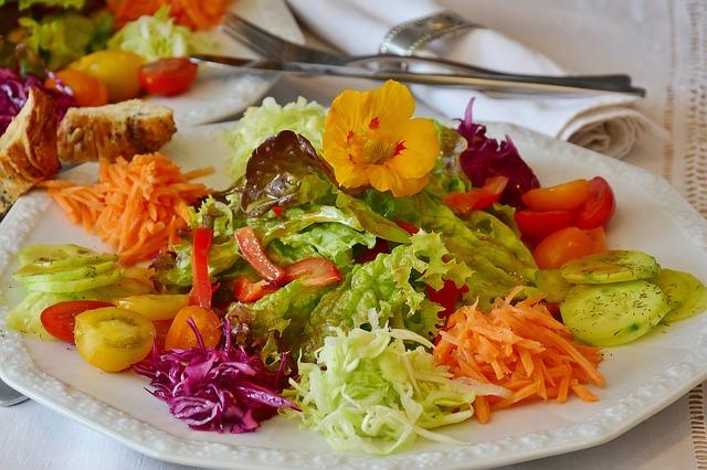 salátový talíř