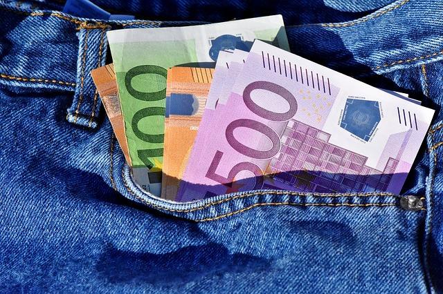 schované bankovky