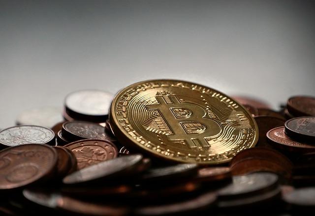 bitcoin peníze