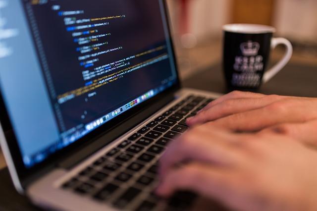 psaní na počítači.jpg