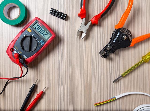 elektrikář, nástroje, oprava